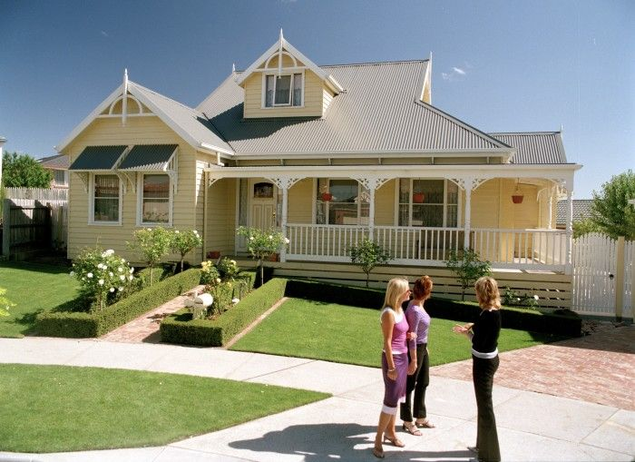 17 Best Ideas About Weatherboard House On Pinterest