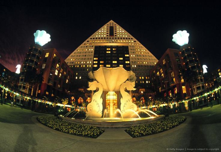 1000 Images About Epcot Walt Disney World Disneyland Disneyania On Pinterest Spaceships