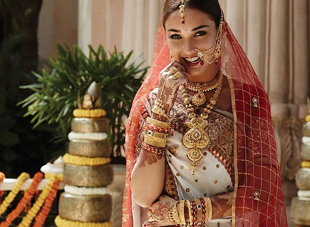 Indian bridak looks: Marwari bride