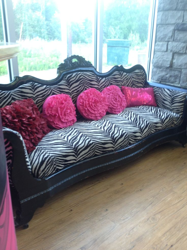 Zebra Black And White Furniture Couch Vintage Waiting Room Salon Pink Beehive Beauty Shop