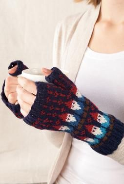 Gnome Mittens – Knitting Patterns by SpillyJane. I totally have the pattern and