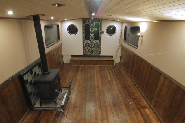 Luxury Wide-beam Canal Boat - The Aeon