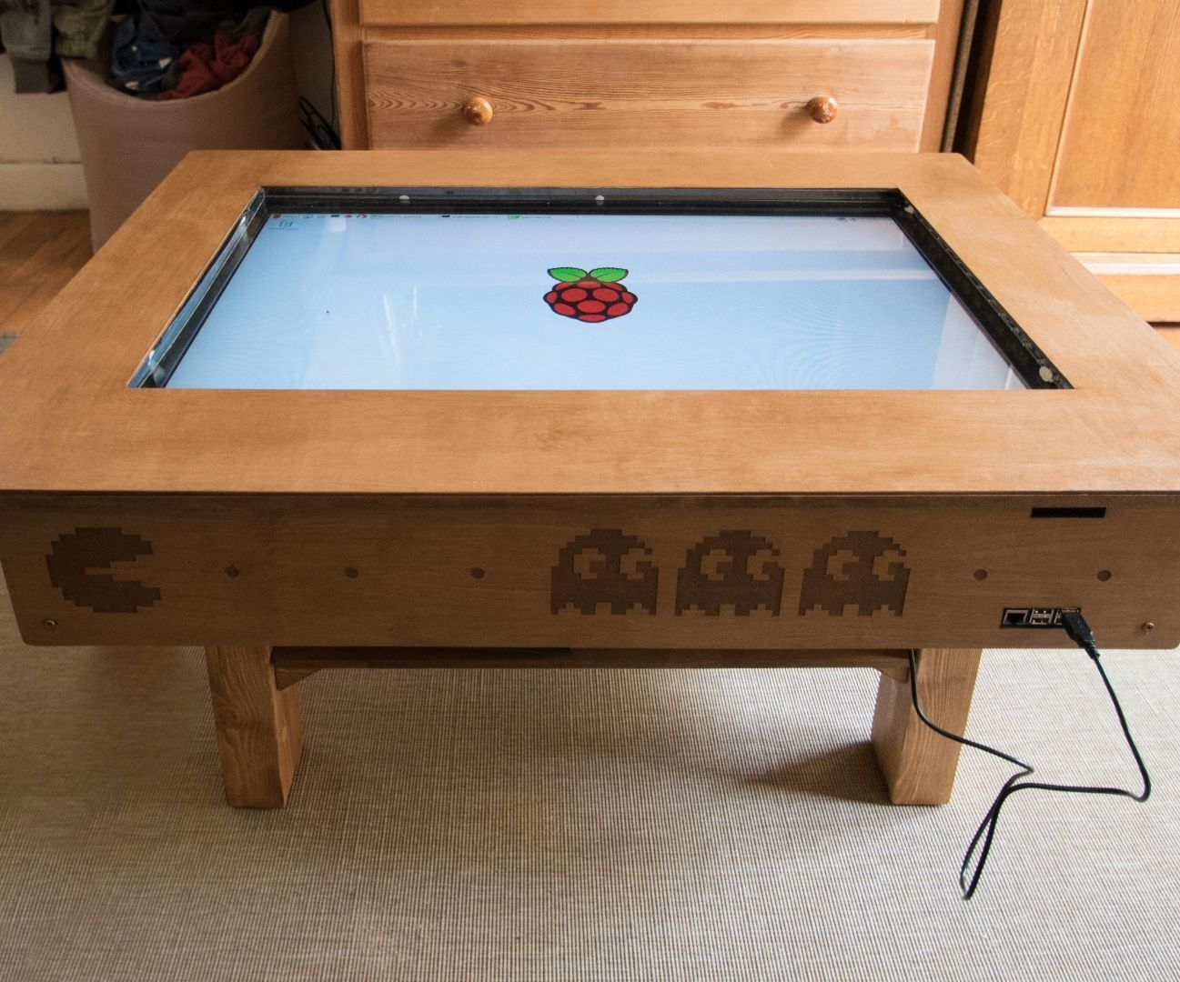 """Touch Screen Coffee Table DIY With 32"""" TV and Low Cost CCD"""
