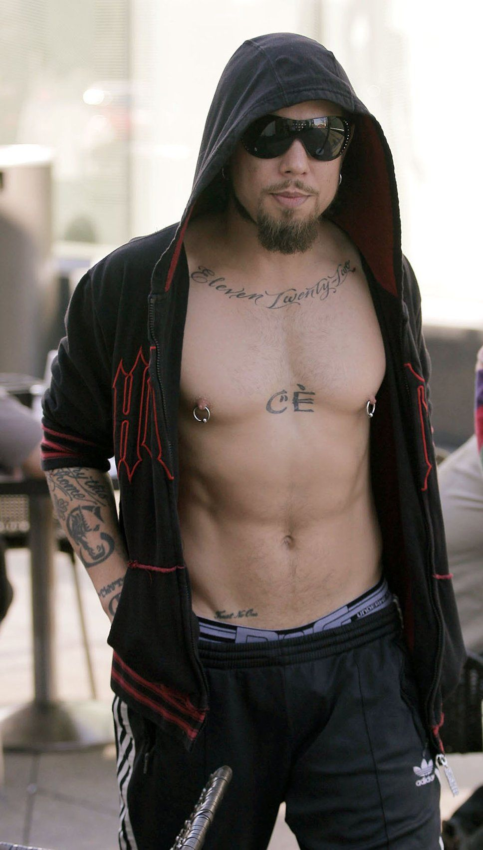 Dave Navarro 400+ Shirtless Guys with Their Hands in