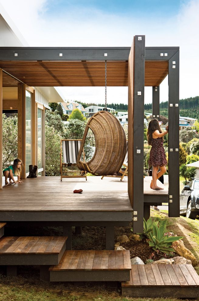 superb elevated wooden patio in New Zealand EXTERIOR