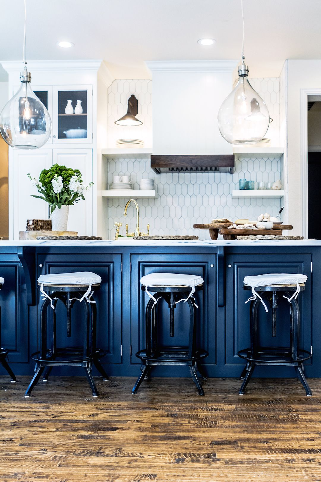 Kitchen Blues Navy kitchen, Kitchens and Navy