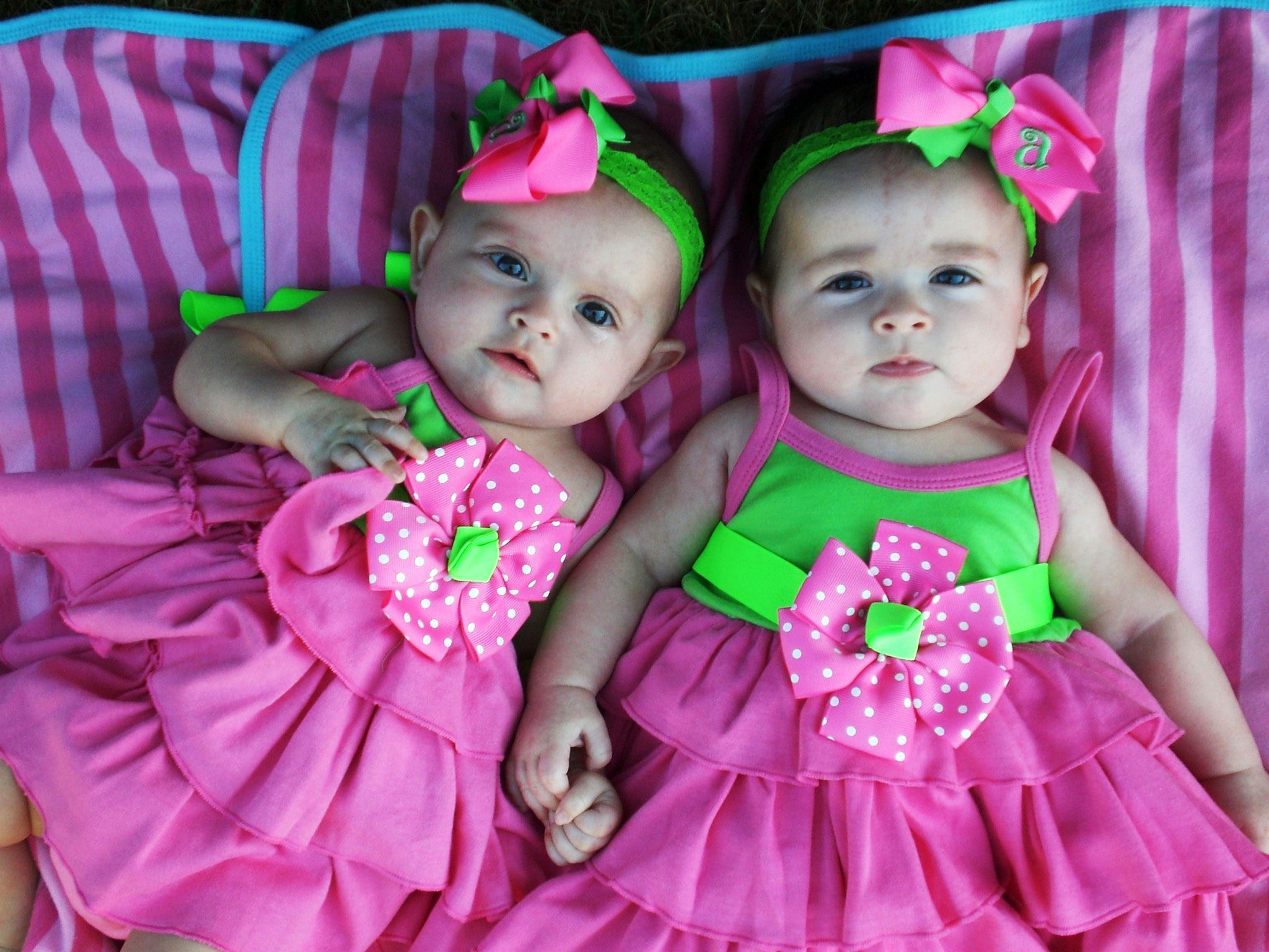 cute baby twins for free | click on image to view larger image