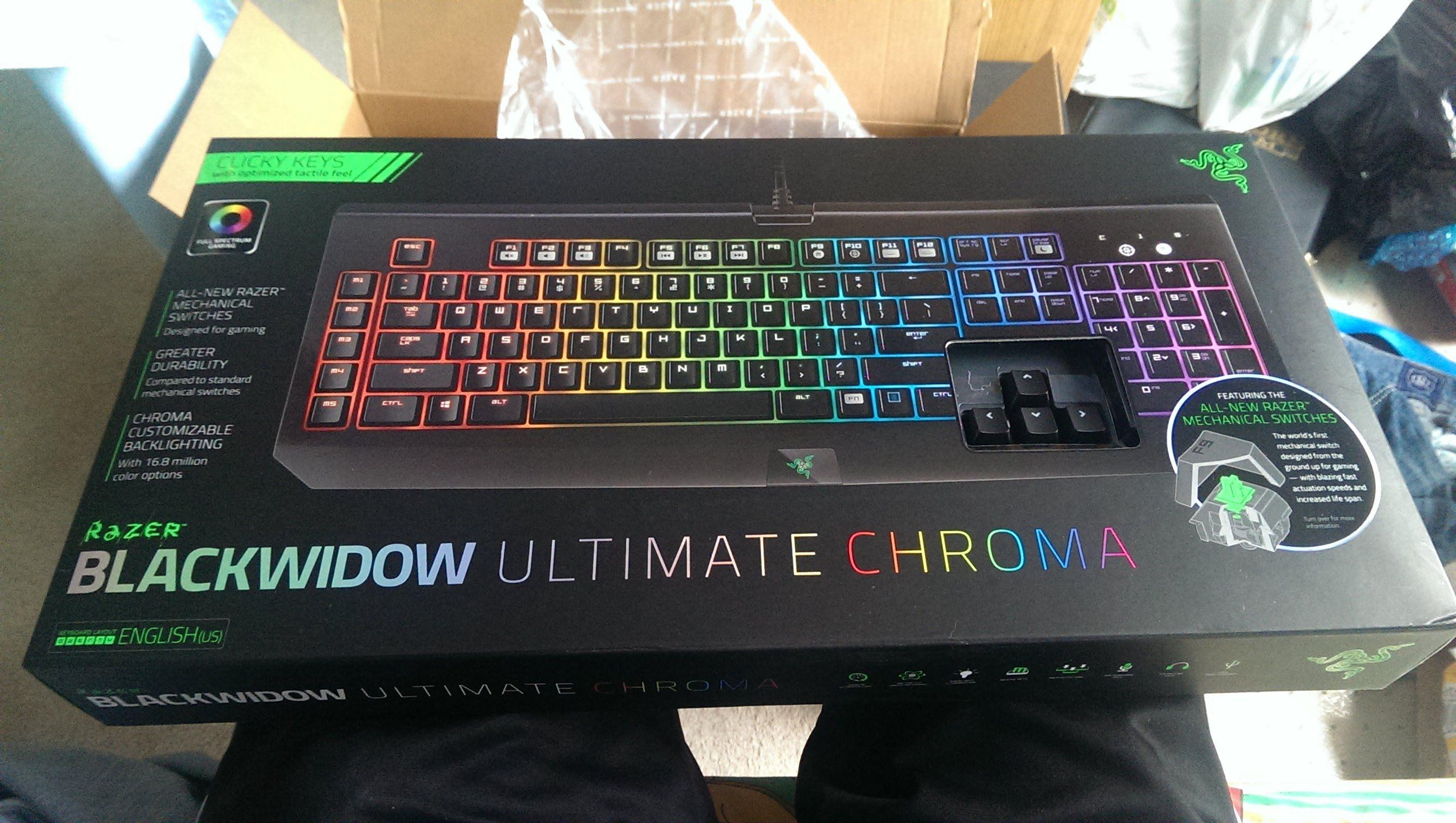 Razer Blackwidow Ultimate Chroma Keyboard Unboxing