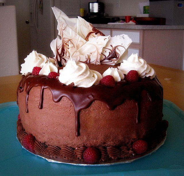 Best 25 Raspberry Cake Ideas On Pinterest White