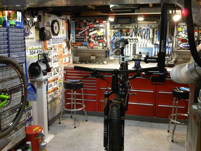 Ceiling mounted seat post clamp stand solution bicycle
