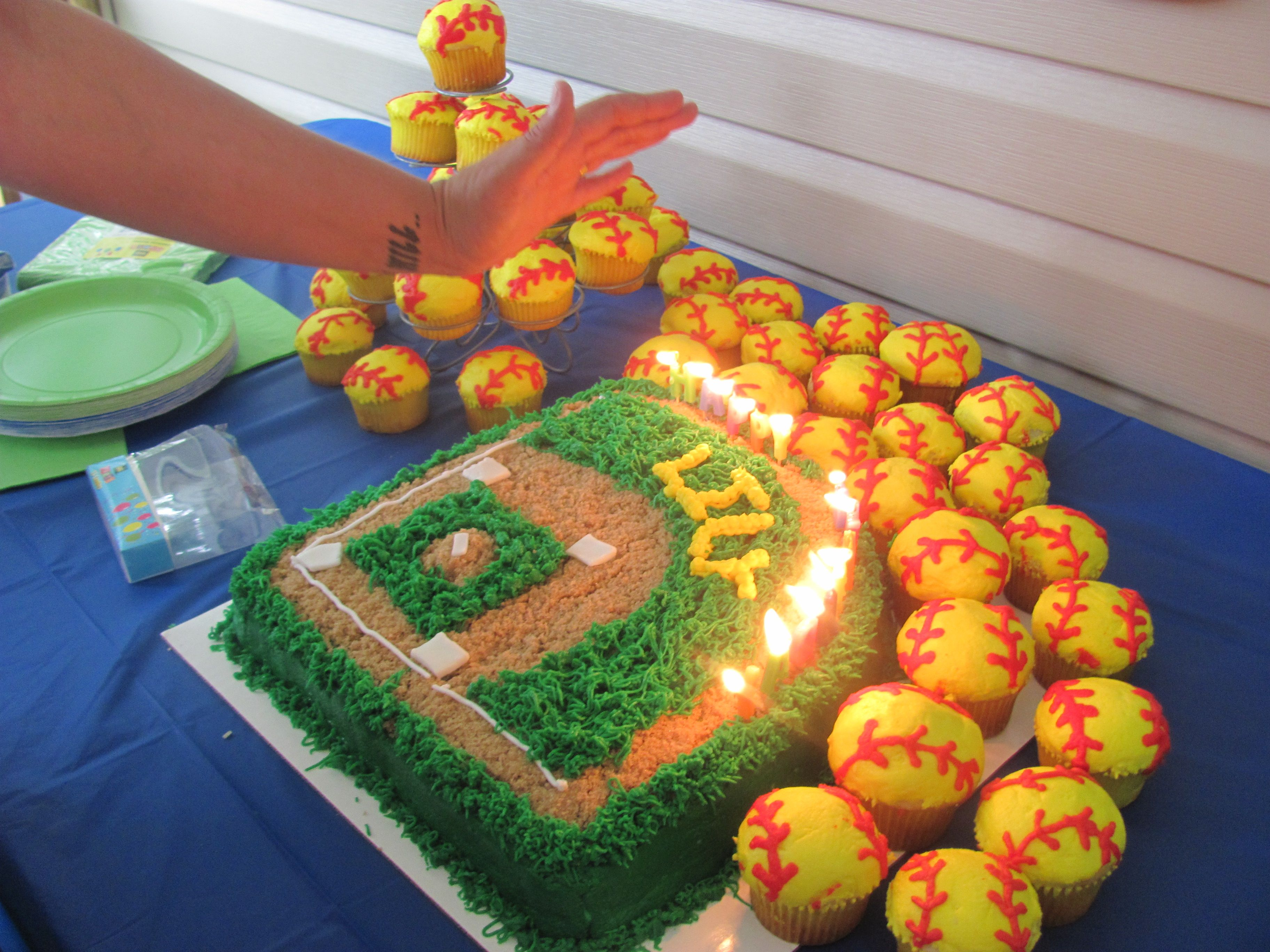 Cool Softball Cake I Think This Is This Years Jaguars Cake