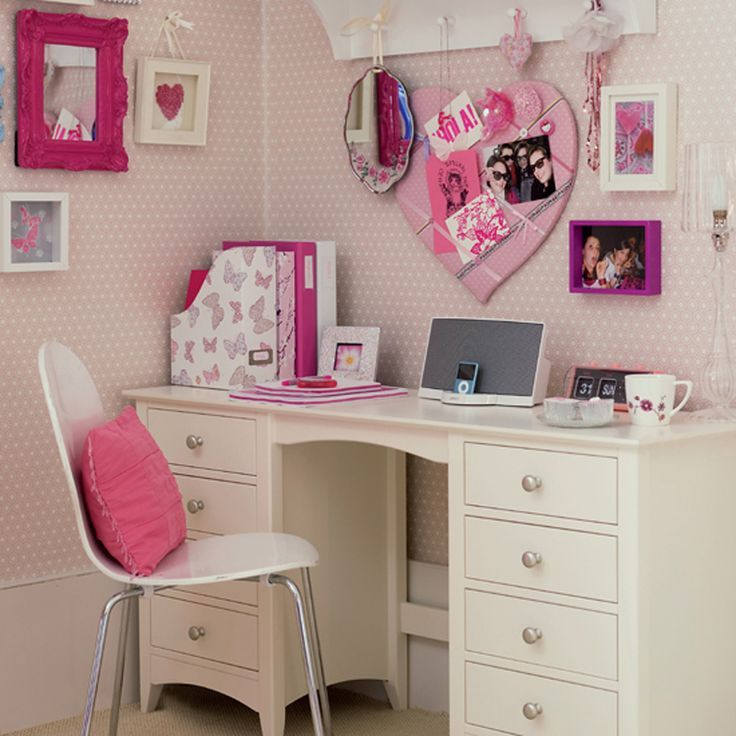 teenagers-bed room-gorgian-desks-for-youngsters-with-white-painted
