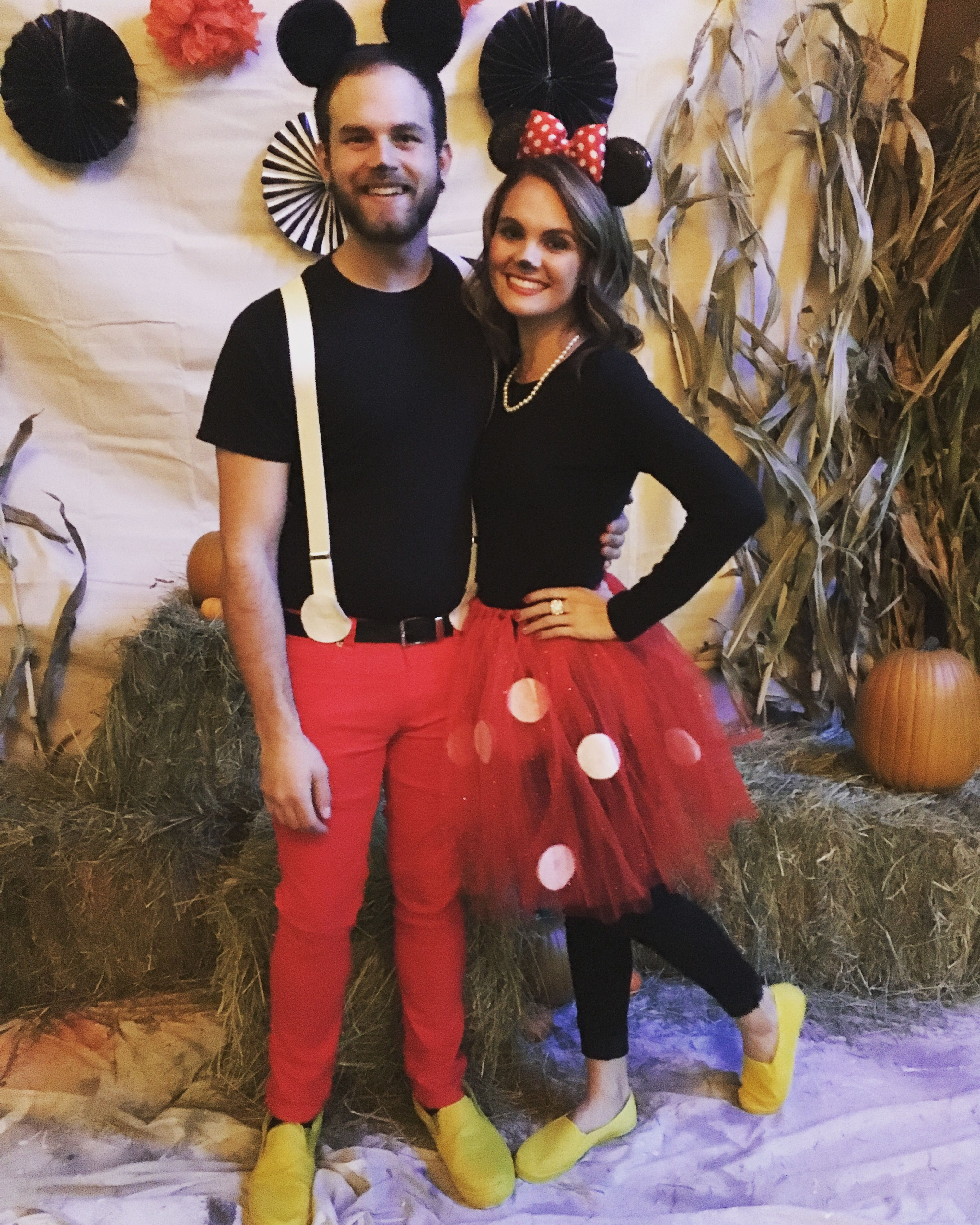 Mickey and Minnie Mouse Halloween couple costume Clever