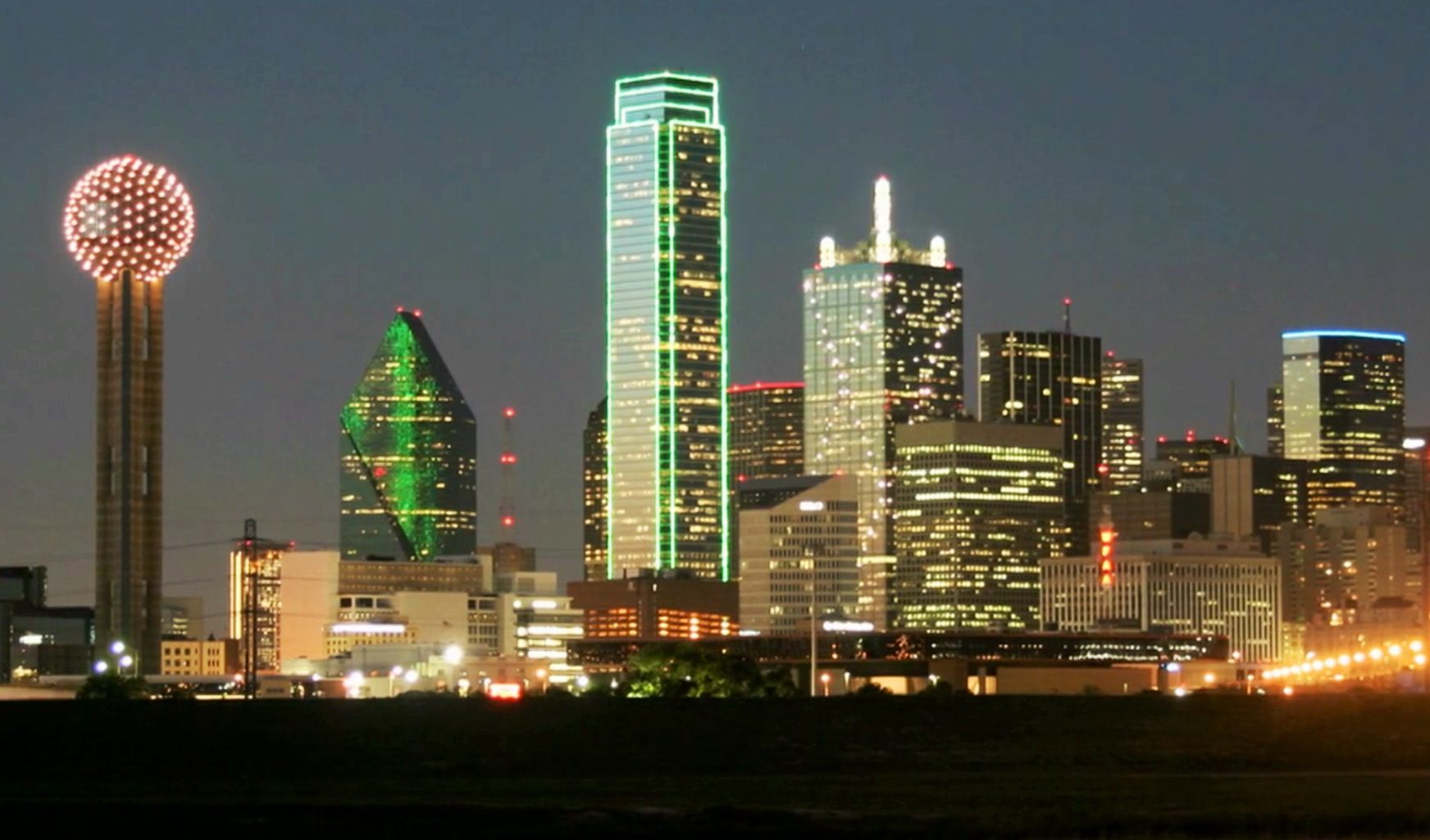 Dallas, TX skyline....A restaurant in in the big ball of