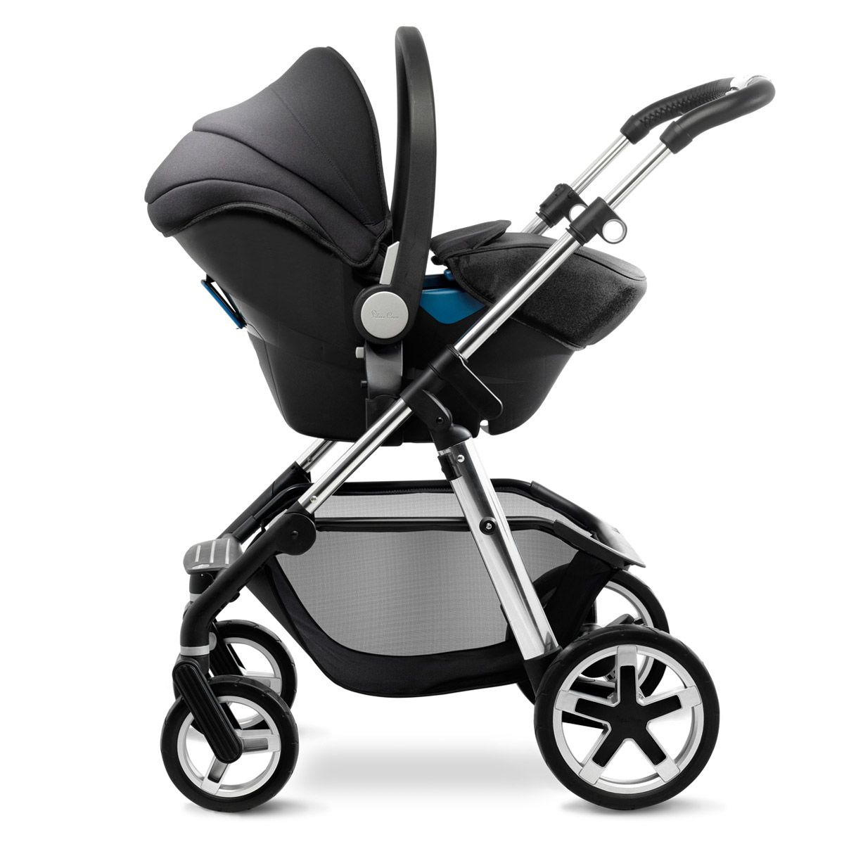 The Silver Cross Simplicity car seat creates a convenient