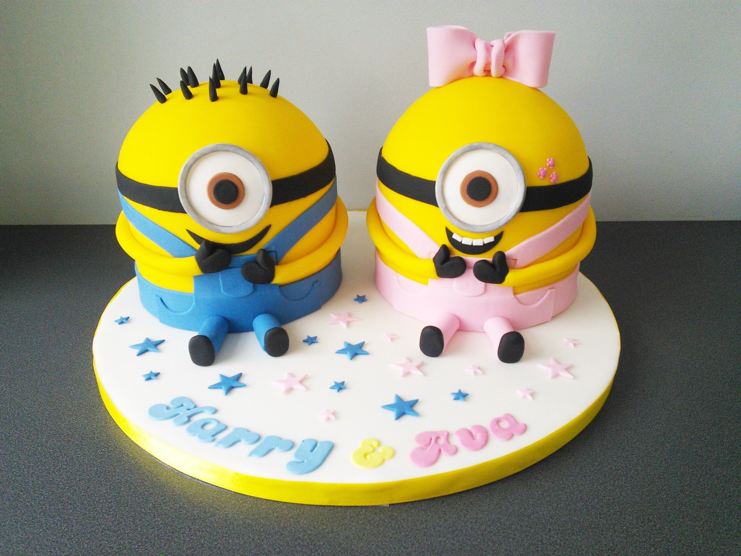 Minion Boy And Girl Joint Birthday Party Cake