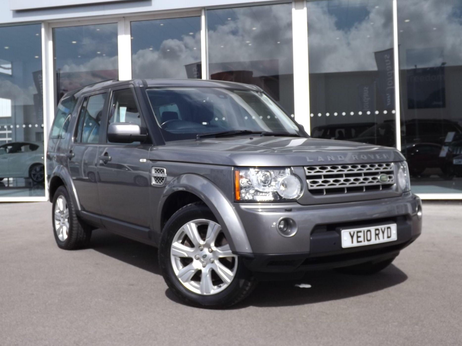 LAND ROVER DISCOVERY 3 0 TDV6 HSE 5dr Auto £31 995