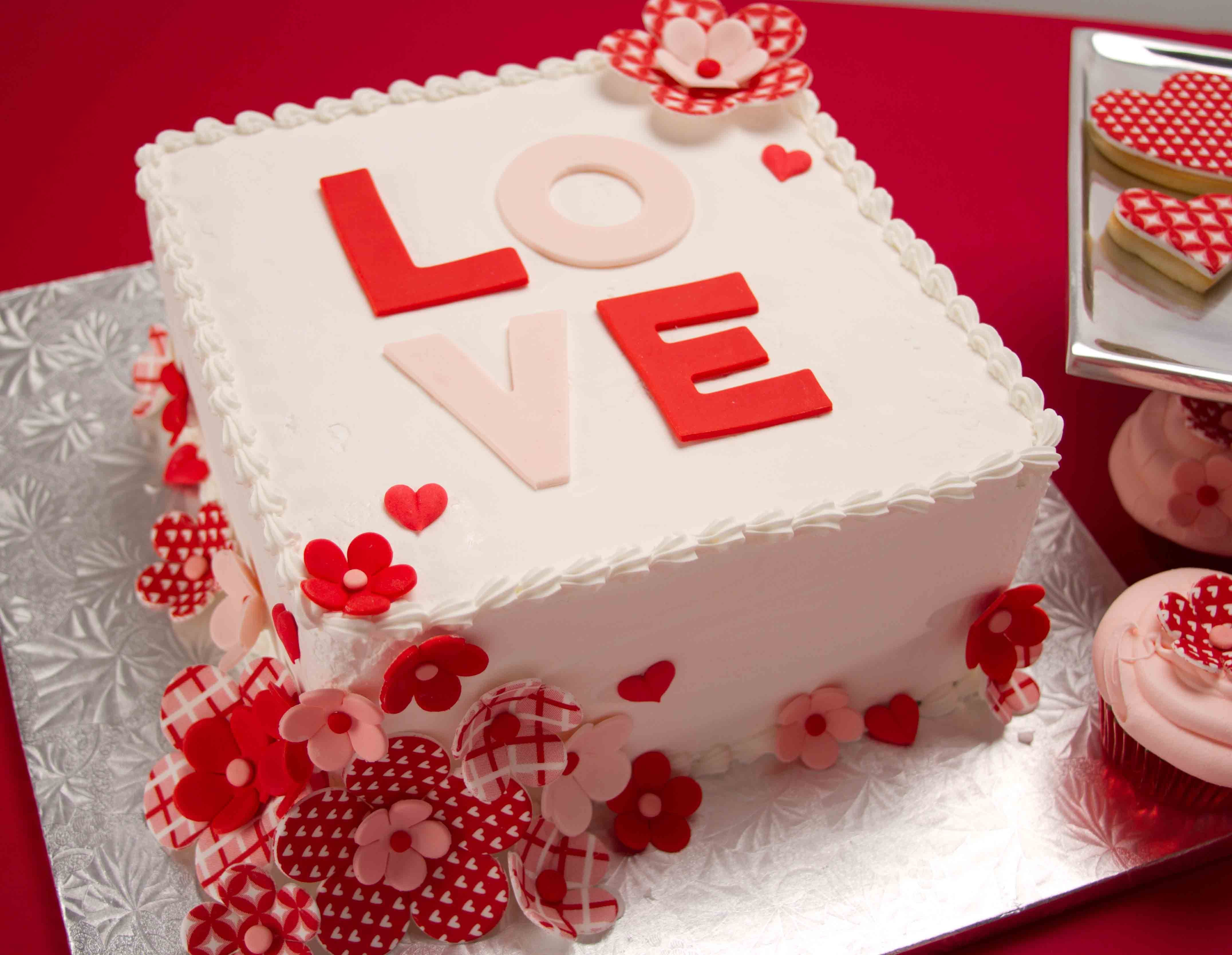 BeautifulBirthdayCakeForHusband, Wife, Valentine's Day