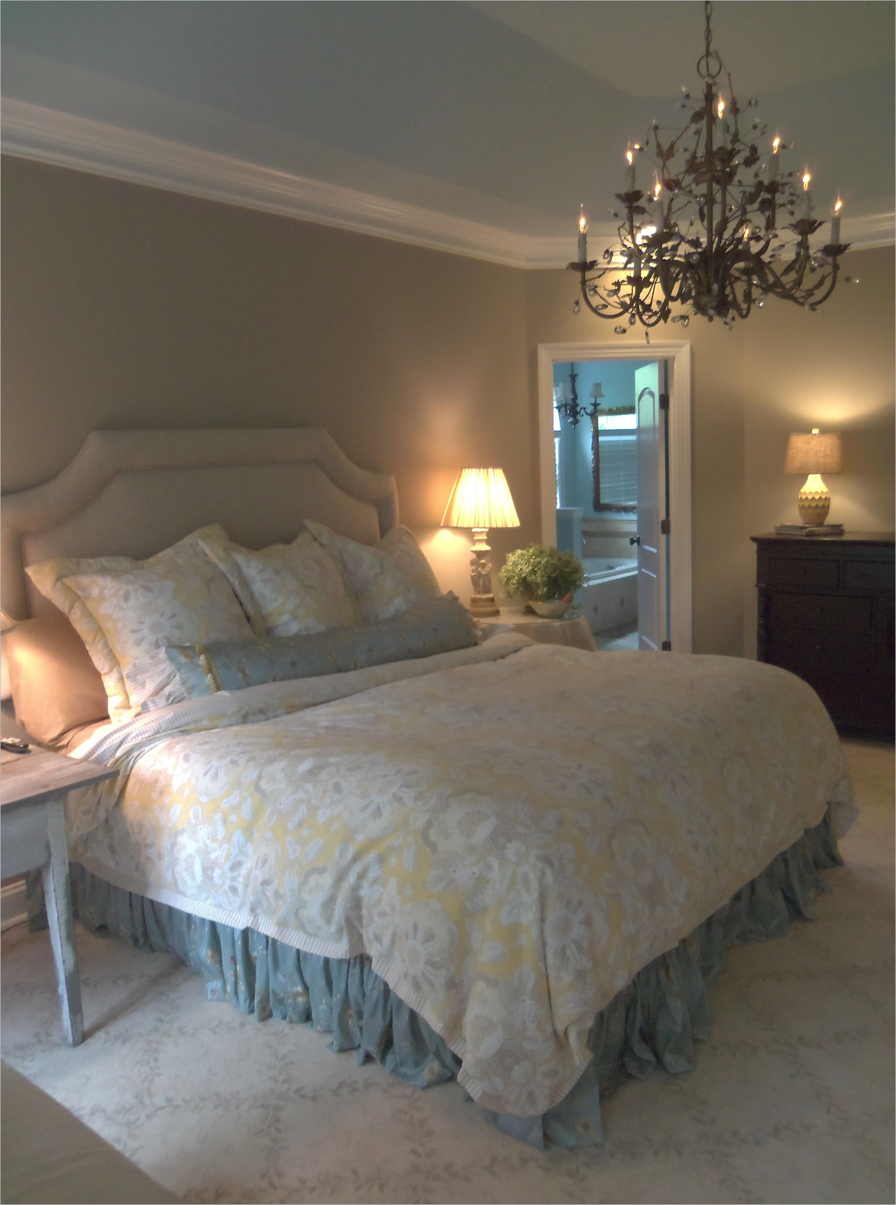 French Shabby Chic Master Bedroom Design With Photos Linen