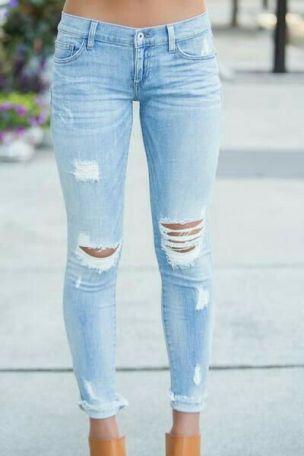 Resultado de imagem para Calça Jeans rasgada 2018
