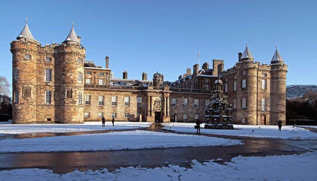 The Ultimate City Guide: Getting Lost in Edinburgh, Scotland