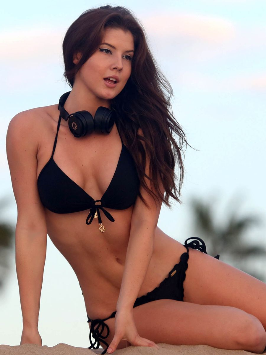 Amanda Cerny Headphones Pinterest