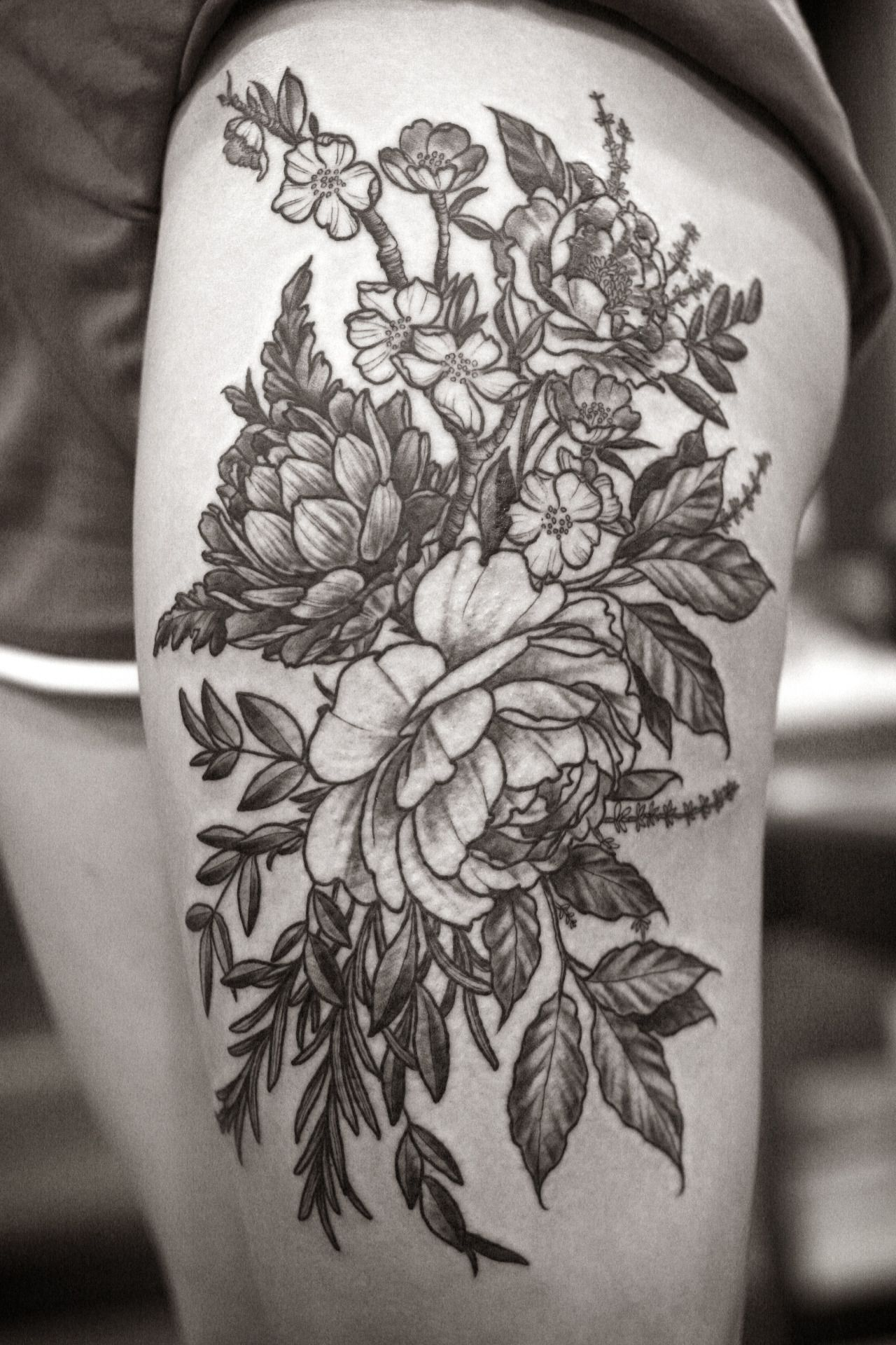 Detailed Black and White Floral thigh piece by Alice