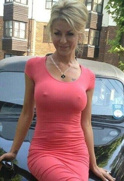 Beautiful Moms In Tight Dresses - Likes | Sexy Outside