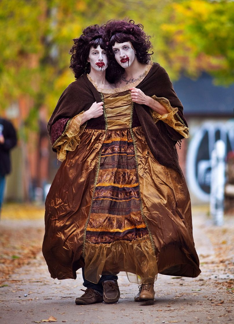 Zombie Twins Creepy Halloween Costumes Pinterest