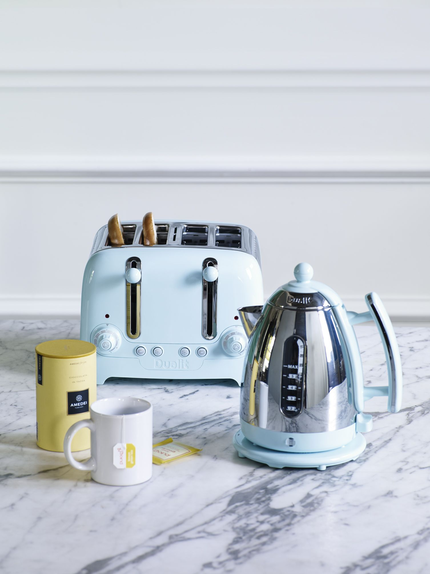 Lighten your kitchen with this sky blue kettle