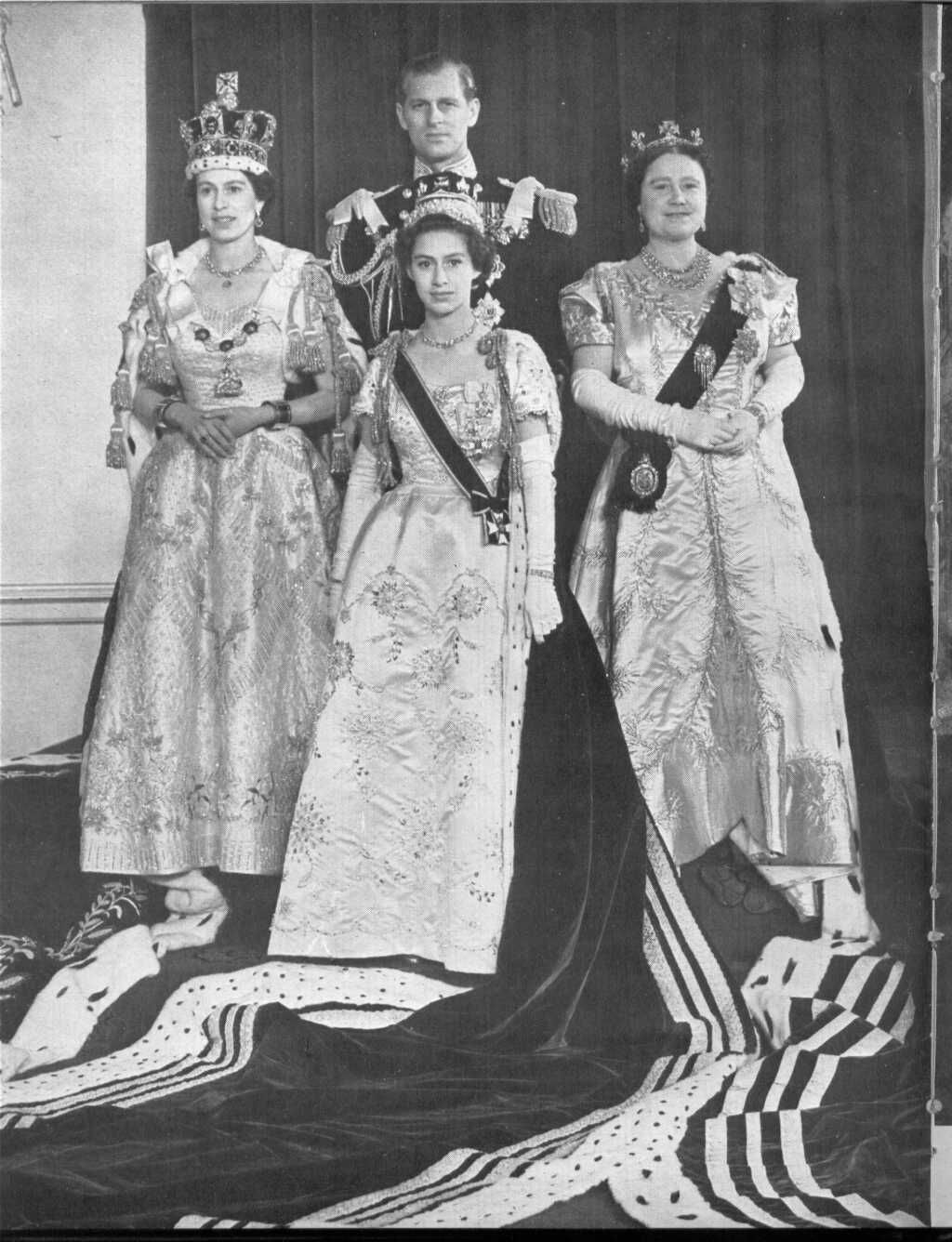The Royal Family on the Coronation day of Queen Elizabeth