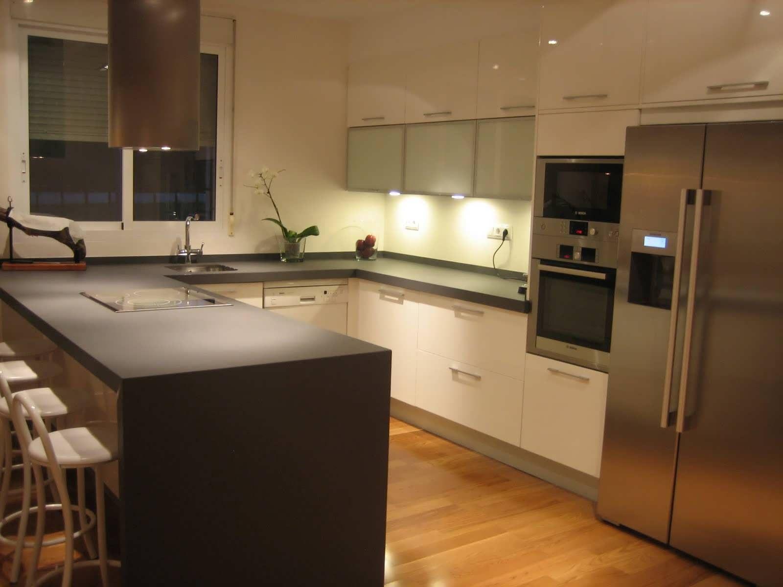Diseño-de-cocinas-pequeñas-y-funcionales-y-diseño-de
