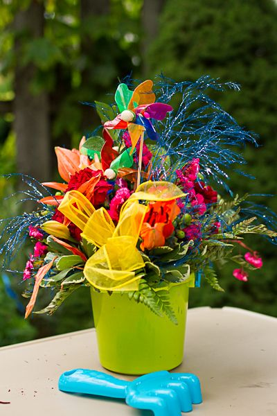 Sand Pail Centerpiece Cute For Any Summeroutdoor Party We Heart Parties Pinterest