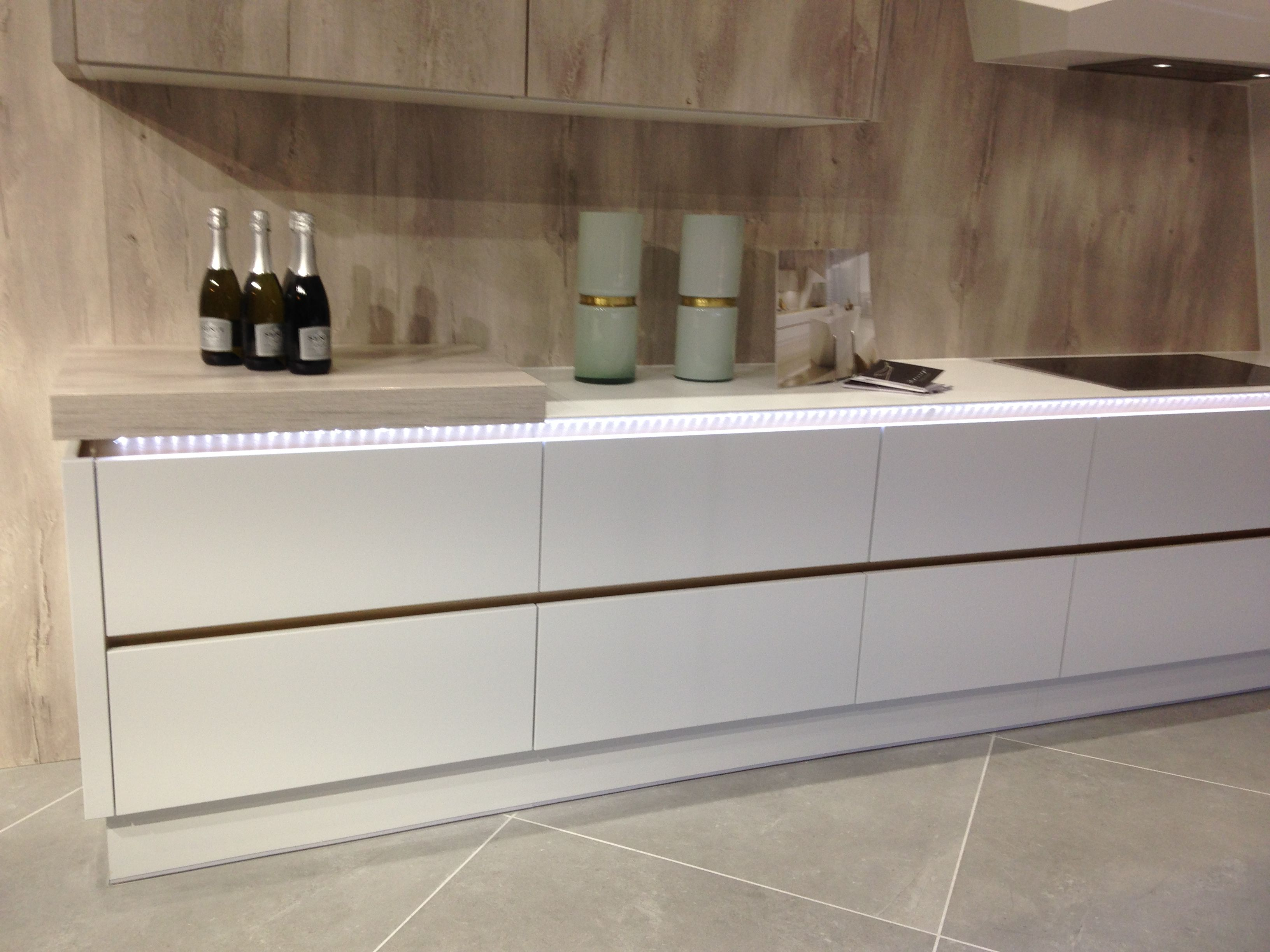 White Matt Milano Pacrylic? Wren Kitchens Kitchen