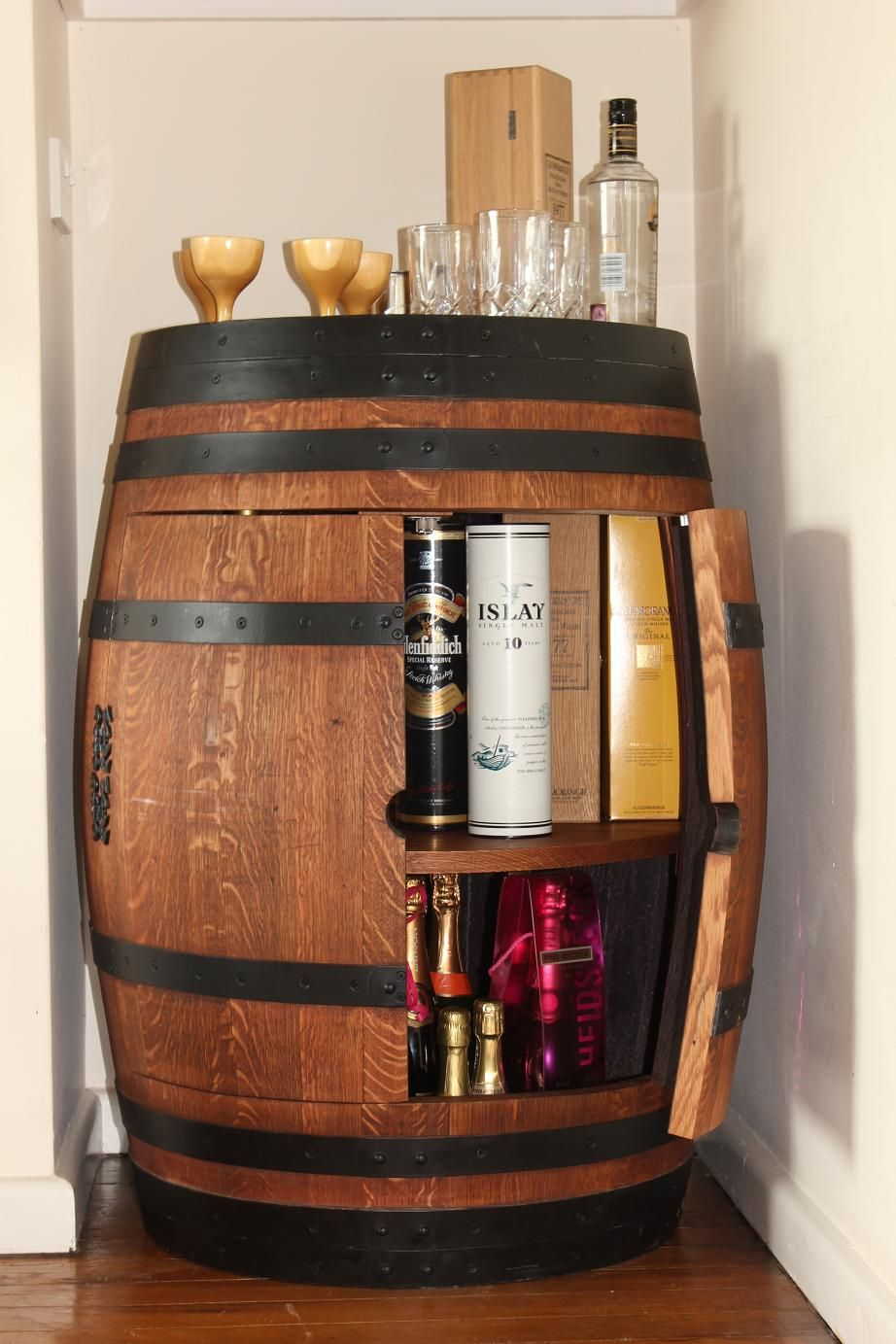 Wine barrel drinks