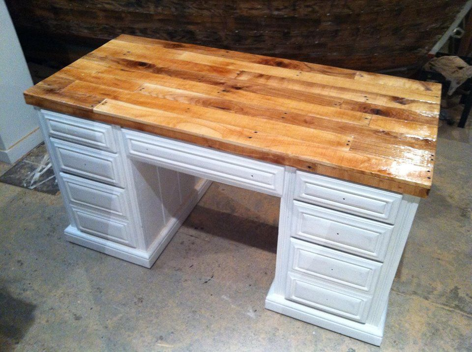 Pallet Wood DIY desk top. Great project for a reclaimed