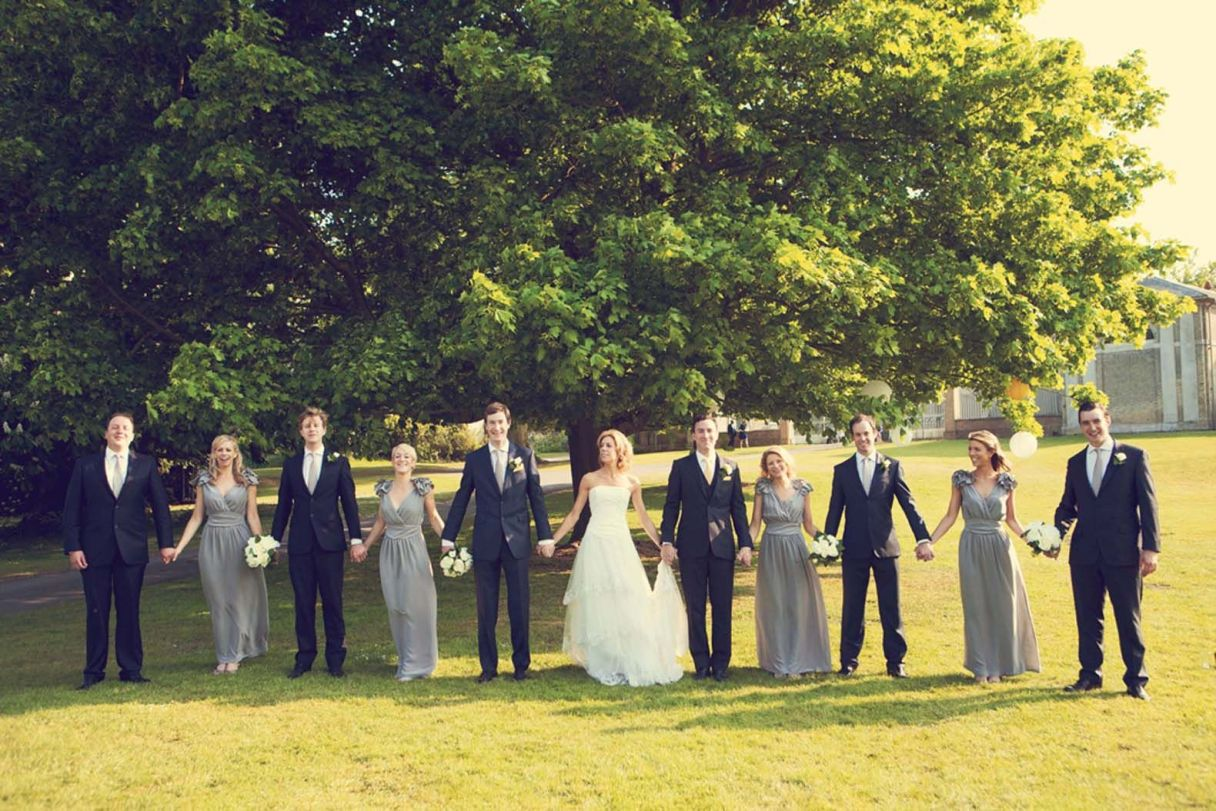 wedding party photography poses