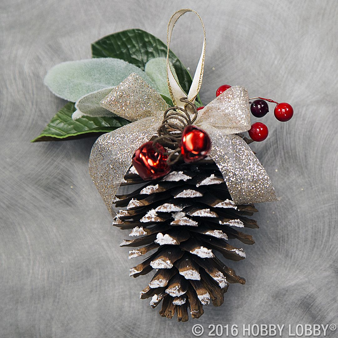 Incorporate natural winter elements into your holiday