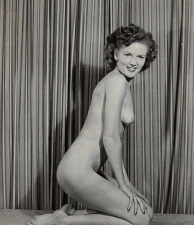 White Vintage Nudes Betty