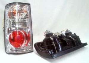 Toyota hilux ln85 ln106 1988  1997 clear lens tail lights