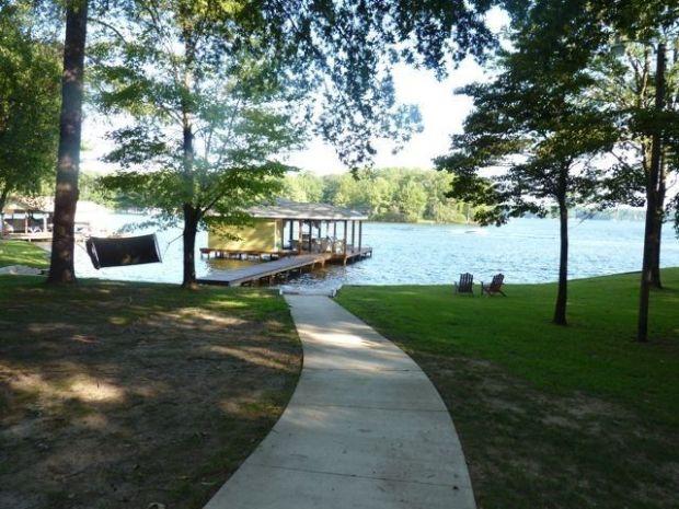 Lake+Gaston+Vacation+Rentals