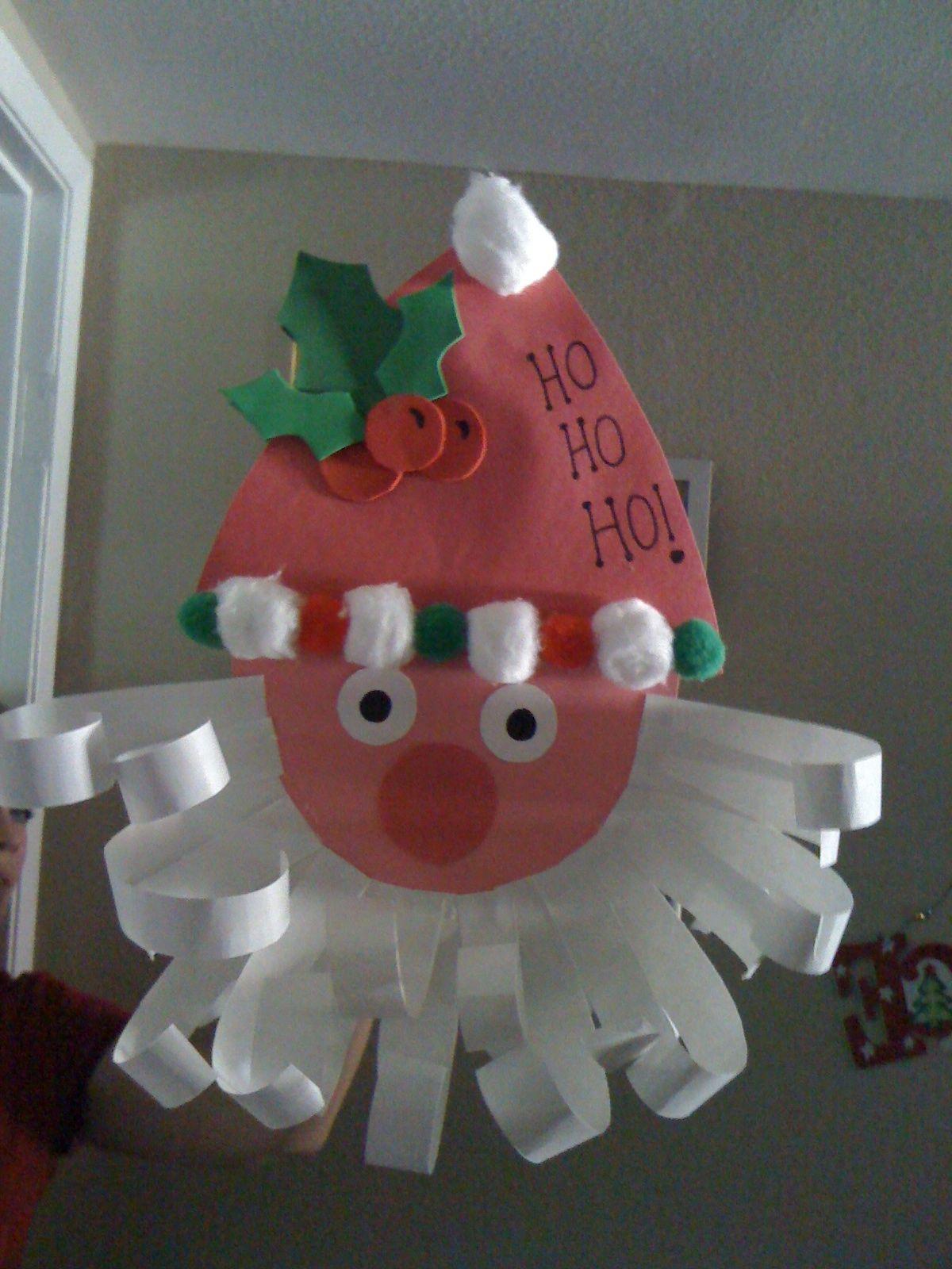 Construction paper Santa. Easy preschool Christmas craft