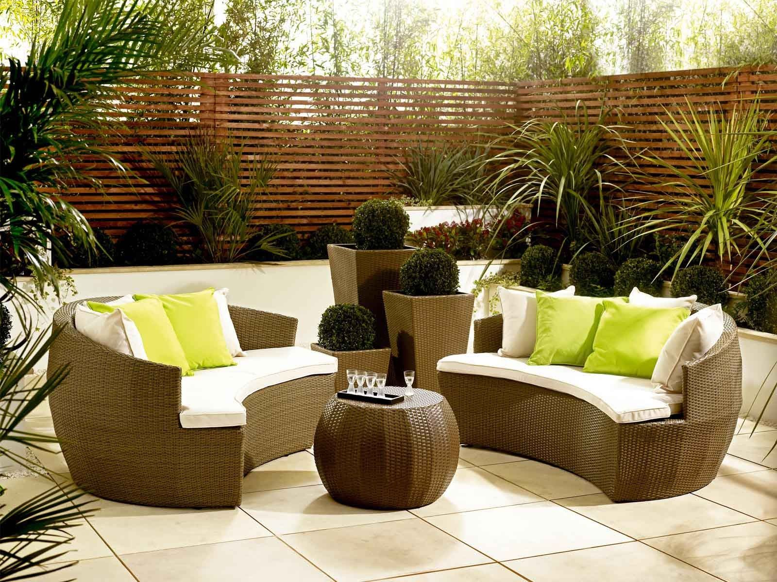 Rattan Garden Moon Sofa With Cushions
