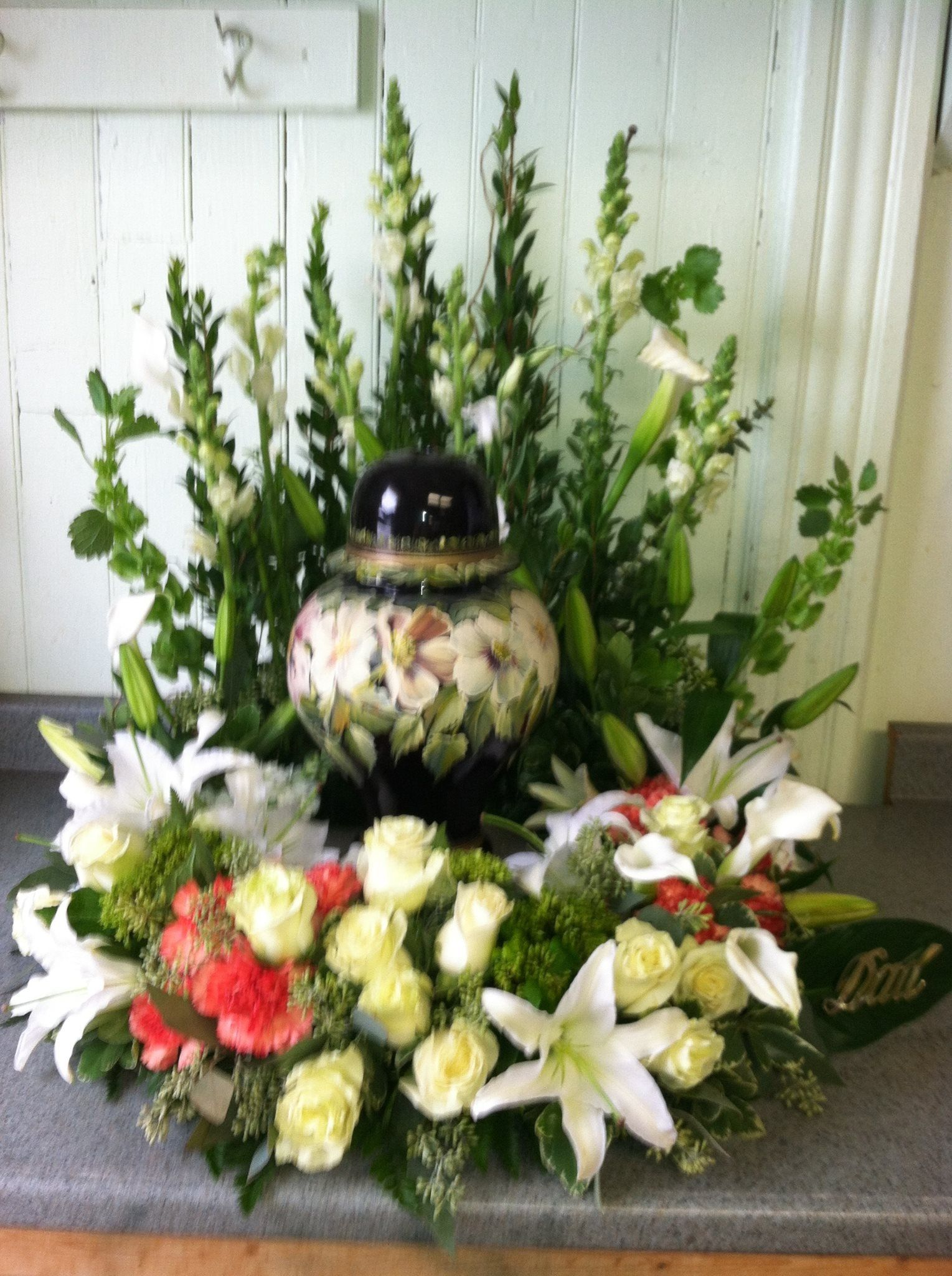 Cremation flowers Funeral flowers Pinterest Flower