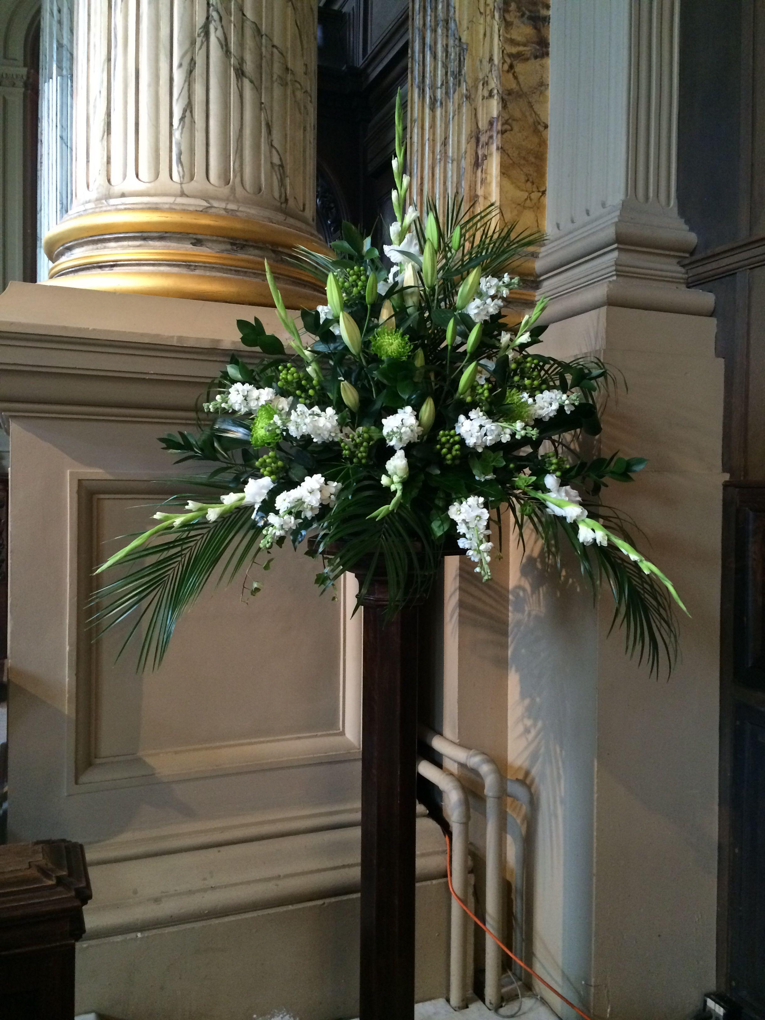 Church pedestal flower arrangement … Pinteres…