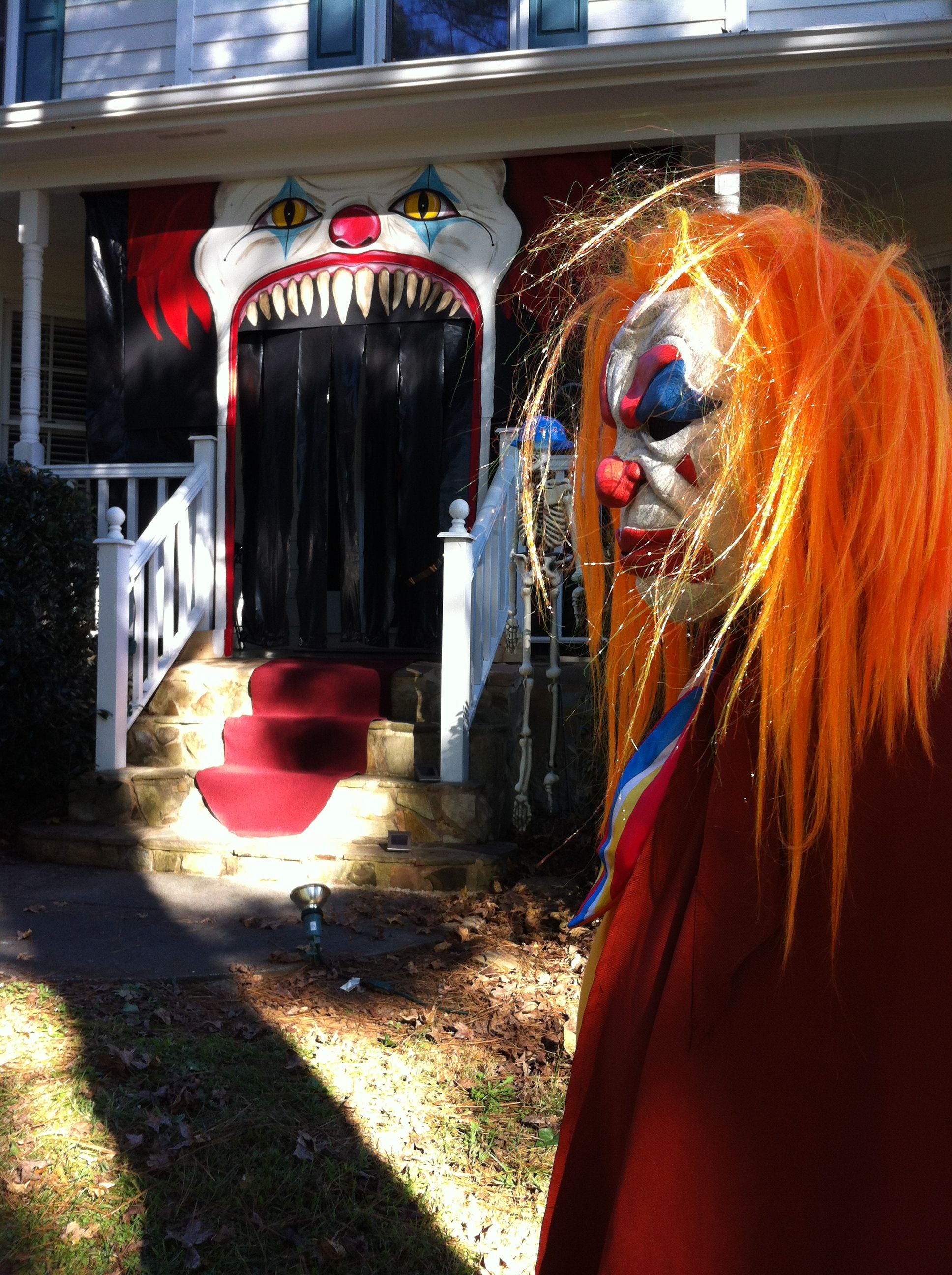 Bethany Scholten .. Your future yard? ^_^ Evil Clown