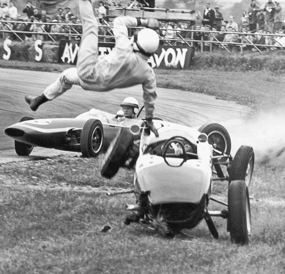 Vintage Formula 1 crash Racing Crashes Pinterest F1