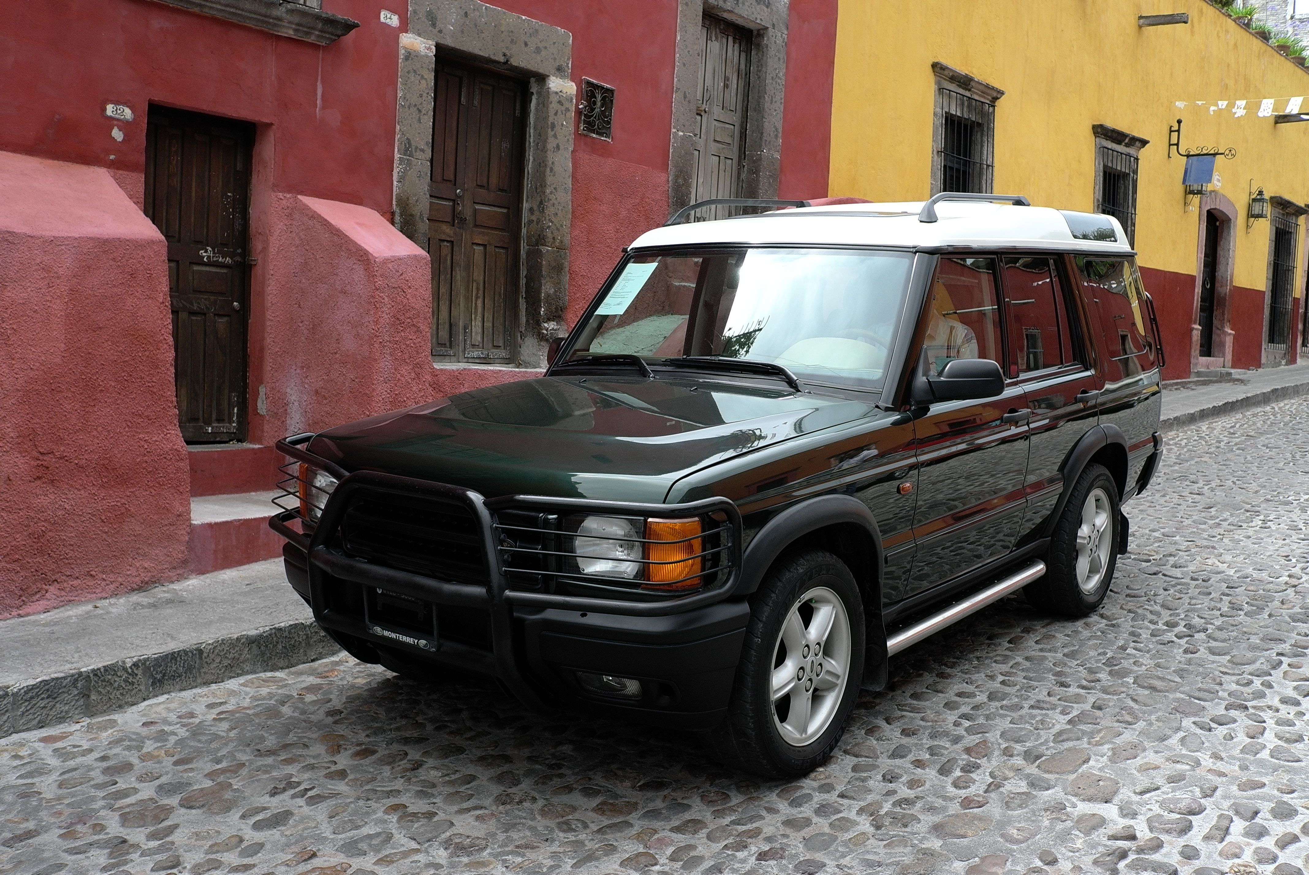 discovery II 2002 white roof cars restored by casamidy
