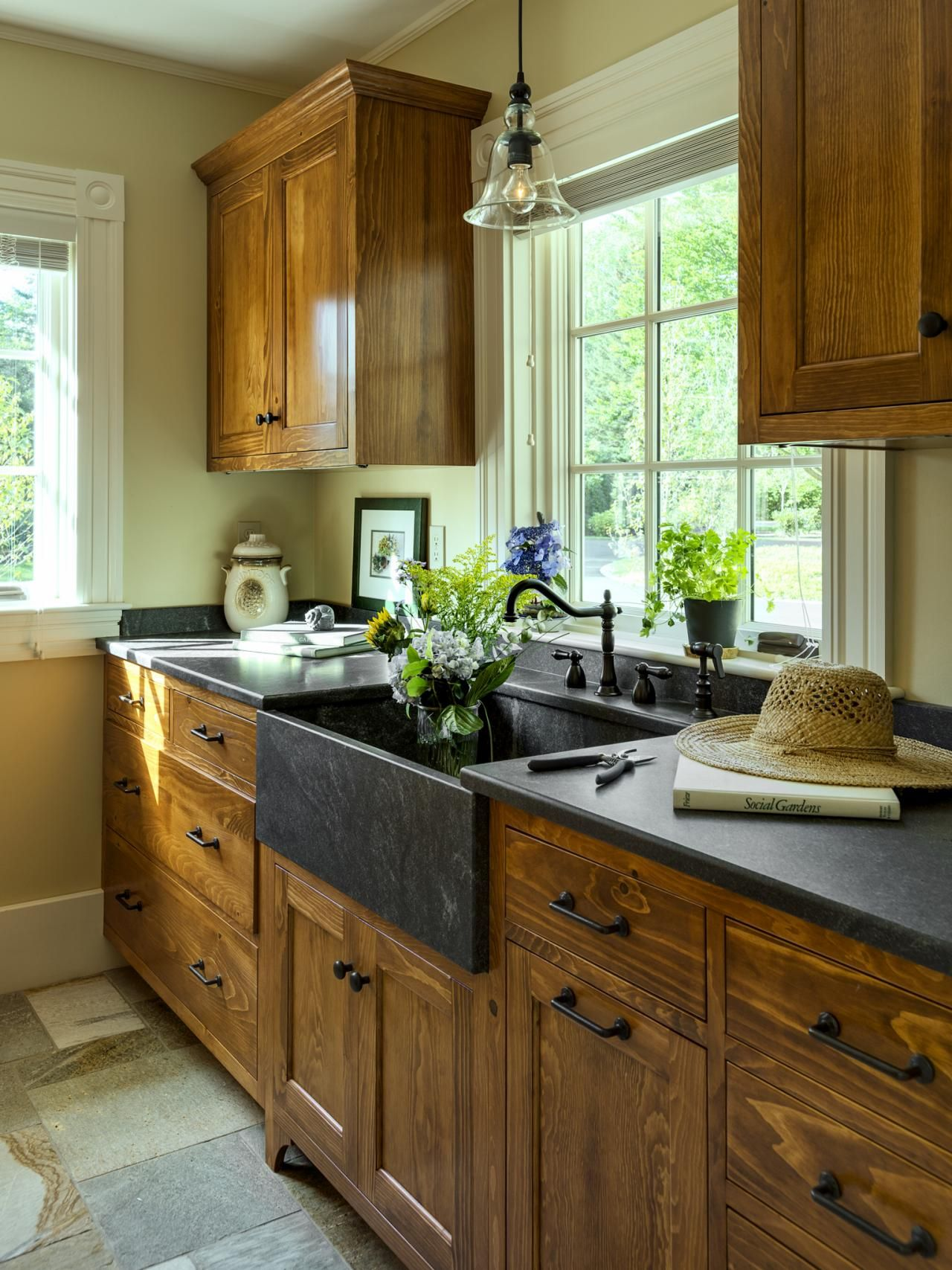 Top 50 Pinterest Gallery 2014 Hgtv, Sinks and Kitchens