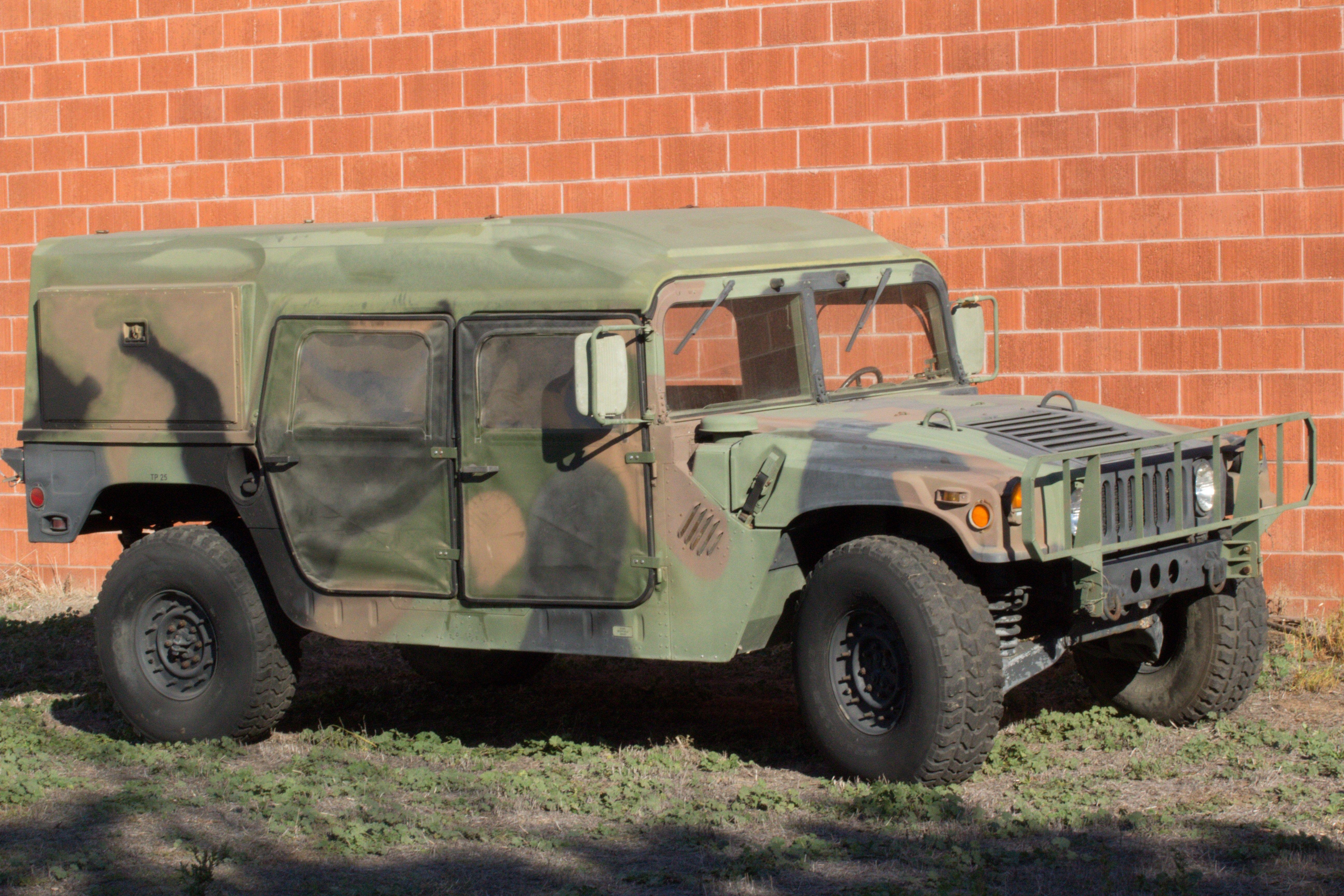 1990 AM GENERAL M998 HUMVEE HMMWV A 1990 GENUINE US MILITARY